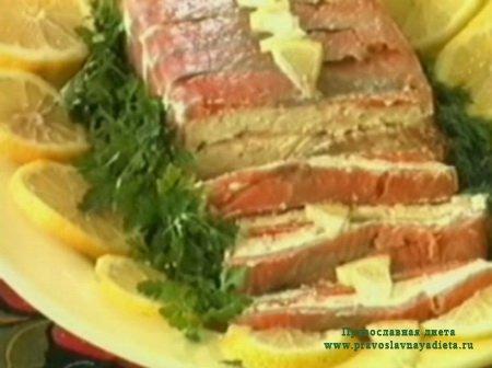 Закуска из красной рыбы с творогом