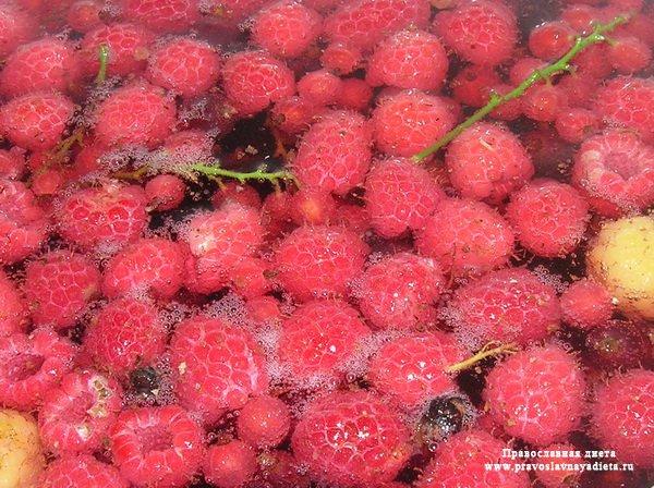 Компот из сушеных ягод